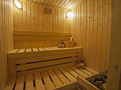 sauna holz pflege behandlung und desinfektion. Black Bedroom Furniture Sets. Home Design Ideas